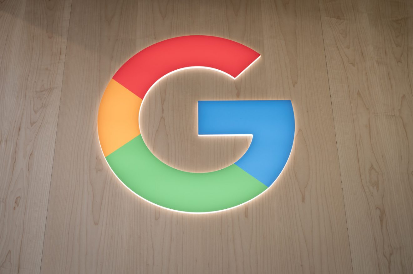 Google signs deal to provide payments to French publishers